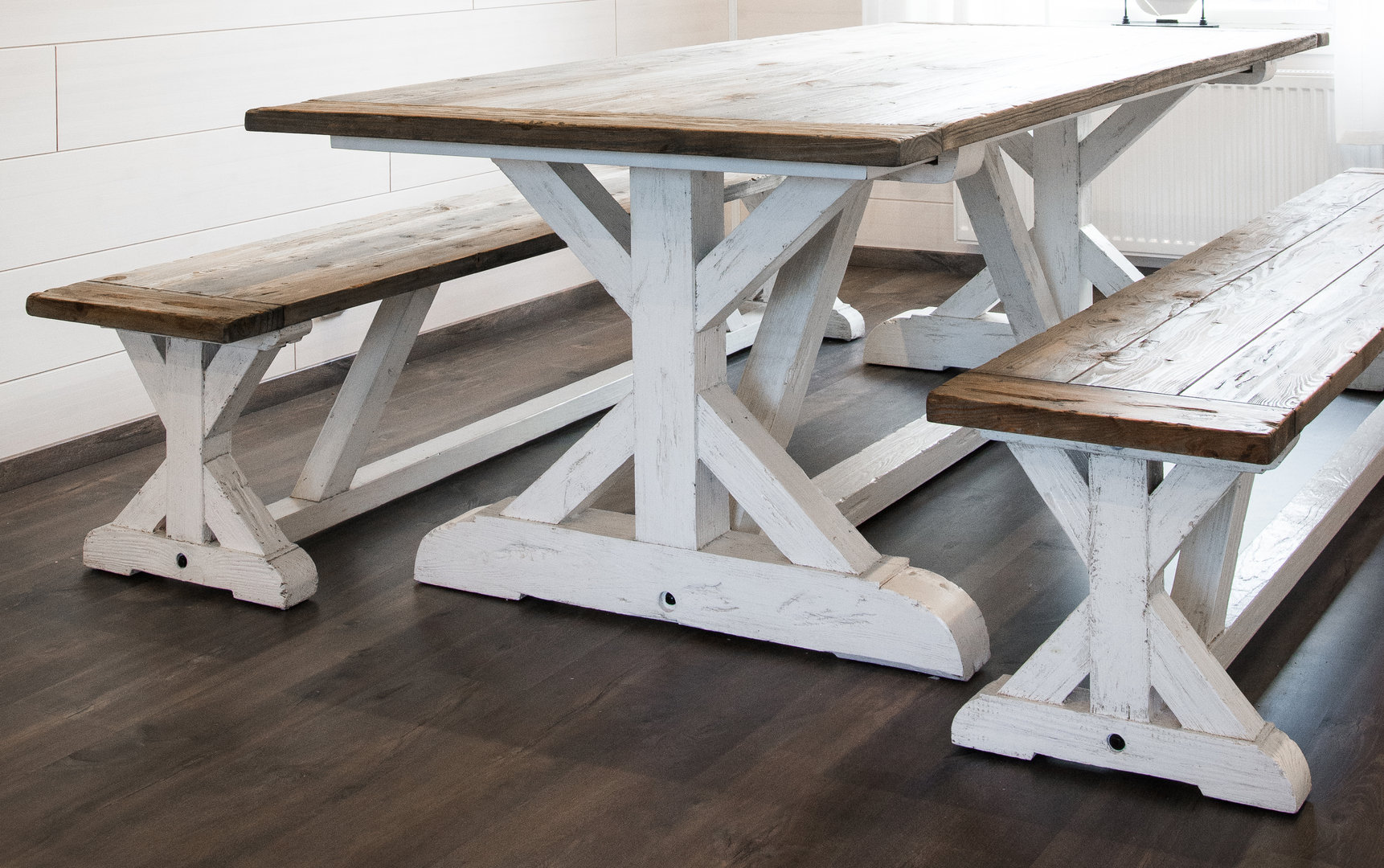 Bijai dining table